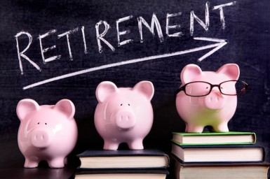 Three piggy banks with retirement savings message