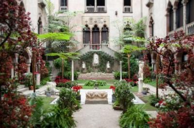 isabella-stewart-gardner-courtyard