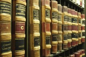 Law-books-iStock_000002891011Large